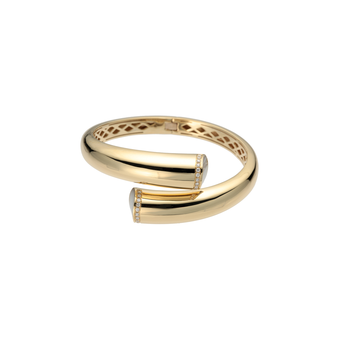 Yellow Gold Bypass Ring with Mother of Pearl and Diamonds