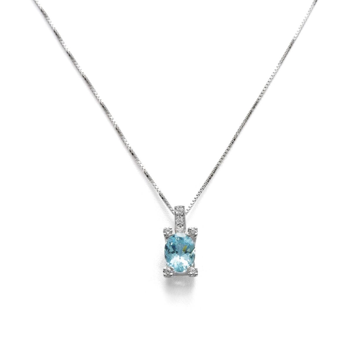 Oval-Cut Acquamarine Pendant with Diamonds