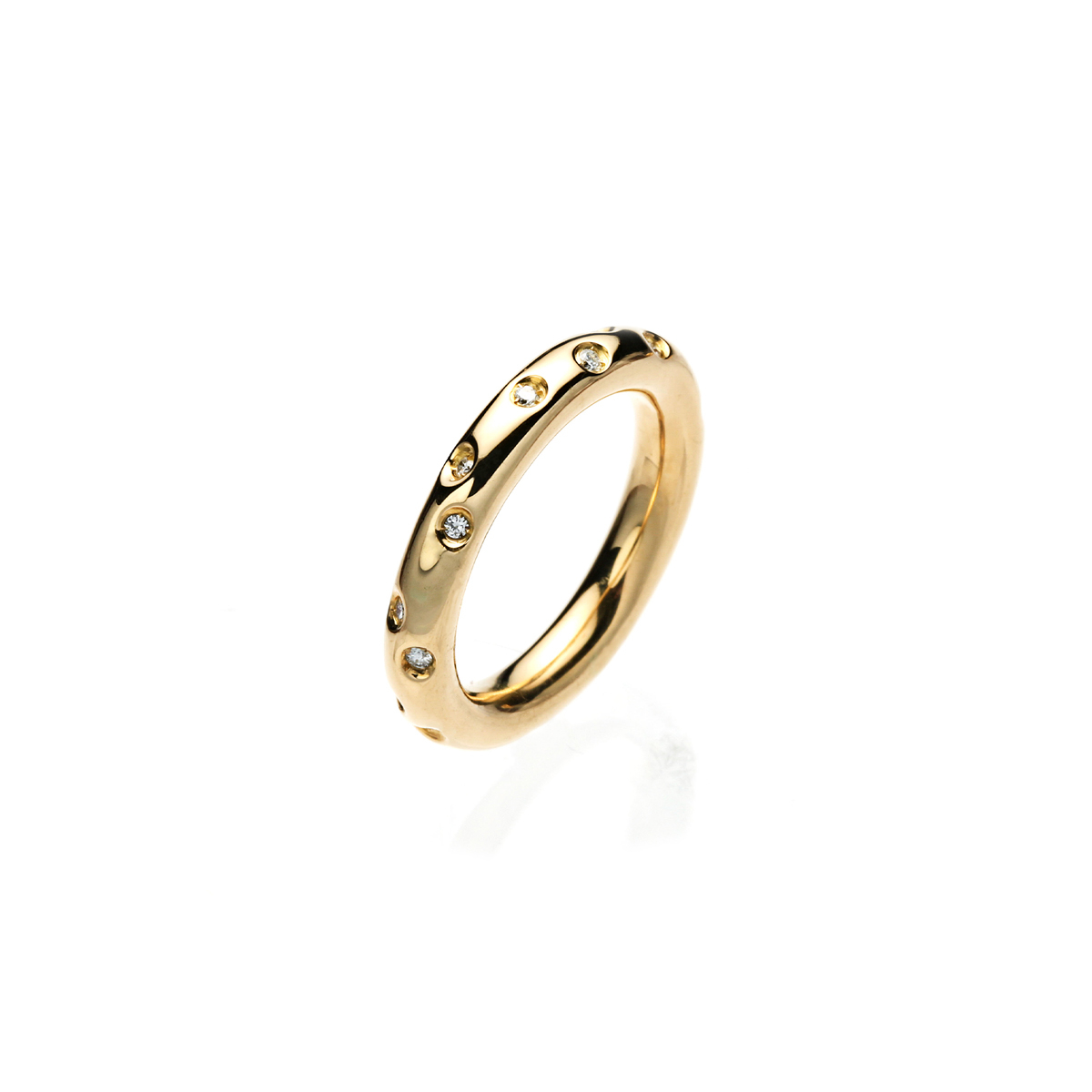 Polished Yellow Gold Ring with Round Diamonds