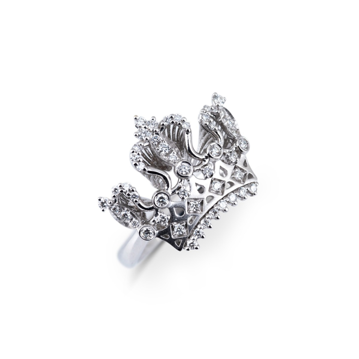 White Gold Crown Ring with Diamonds
