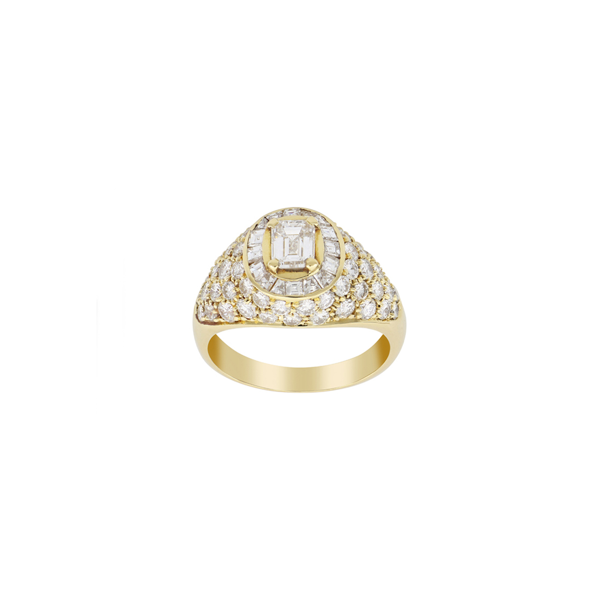 Yellow Gold Ring with Radiant- Carré-, and Brilliant-Cut Diamonds